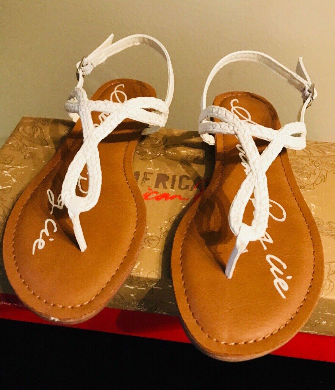 New American Rag Women's Akeira 7.5M White T-Strap Sandals 7.5M Akeira a6e51d