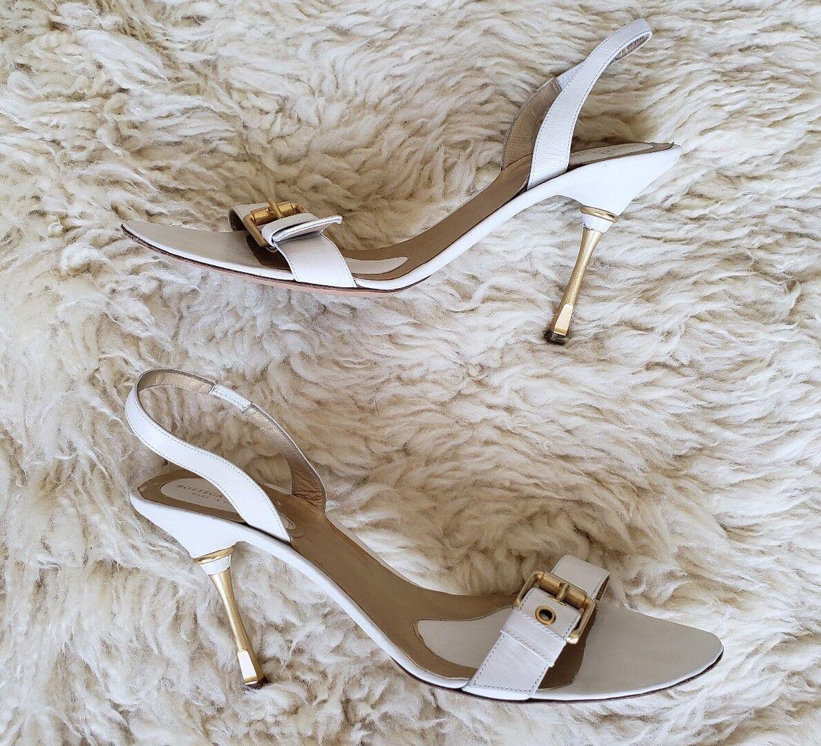 grande sconto Bottega Veneta Dimensione Dimensione Dimensione 39 bianca oro Buckle Heel Sandals Leather  Slingback  offerta speciale