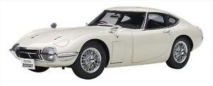 AUTOart-1-18-Toyota-2000-GT-Wire-Spoke-Wheel-Version-White-NEW