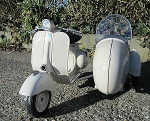 standmodell vespa mit beiwagen 1 6 150 vl1t 1955 top qualit t 48993 ebay. Black Bedroom Furniture Sets. Home Design Ideas