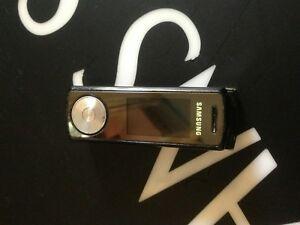 Samsung-SGH-F210-Black-Ohne-Simlock-3Band-MP3-Radio-Kamera-KULTHANDY