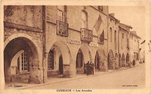 CPA-71-LOUHANS-LES-ARCADES
