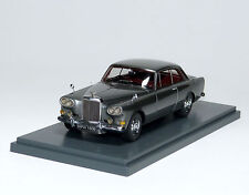 Bentley S3 SIII Continental Mulliner Park Ward - silber silver - NEO 44160 1:43