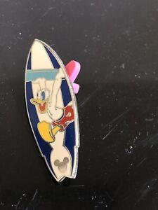 2005-Disney-Surfboard-Donald-Duck-Cast-Lanyard-Pin