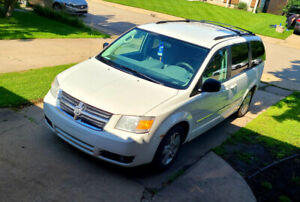 Perfect For The Family Dodge Caravan SLT