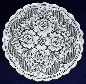 TWO-Beautiful-Heritage-Lace-17-034-Round-Victorian-Rose-White-Doilies