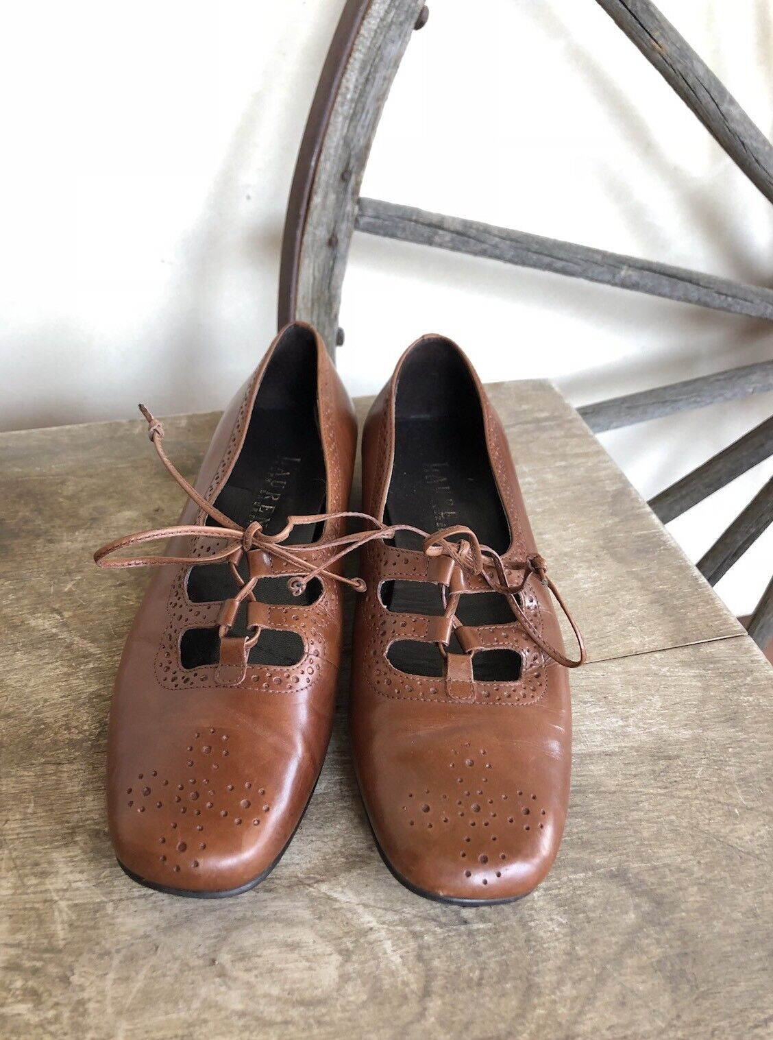 RALPH LAUREN Rare Designer Sample scarpe Tan Leather Classic Lace-Up Flats Sz 6B