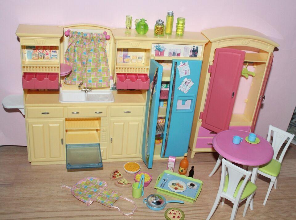 Barbie, Køkken + klædeskab