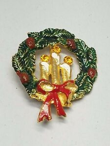 Christmas-Enamel-Wreath-Pin-Amber-Color-Rhinestones-Vintage-Brooch-Active