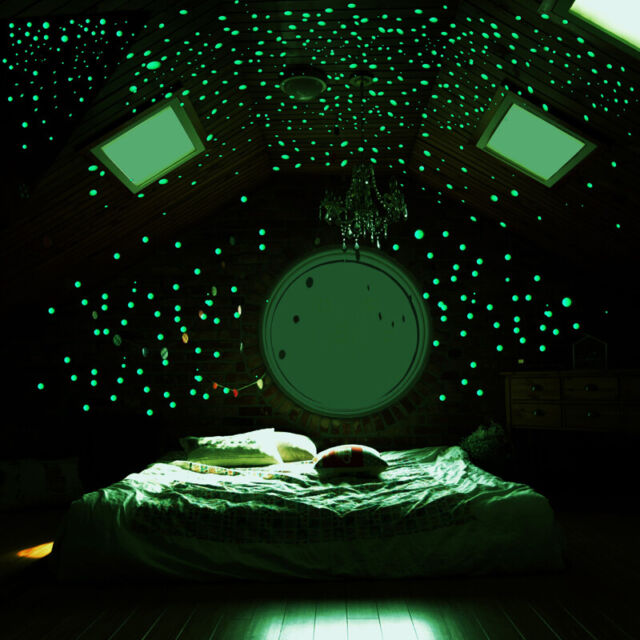 Konsait Glow in The Dark Space Wall Stickers for Kids Astronaut Spaceship Rocket Planet Outer Space Universe Wall Solar System Decoration Stickers for Children Boys Girls Bedroom Classroom Ceiling
