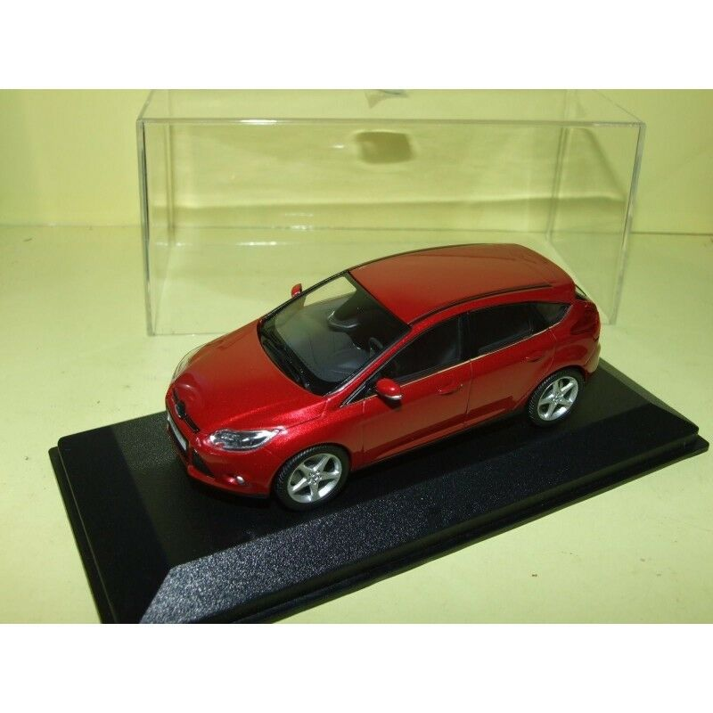 FORD FOCUS III Phase 1 Grena MINICHAMPS 1 43