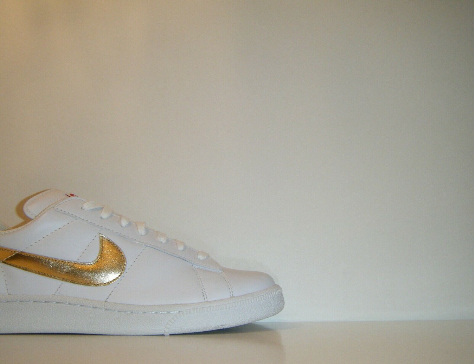2011 Nike Tennis Classic YOTR Year Of The Rabbit gold Sz. 9 SB Sample 438959-100
