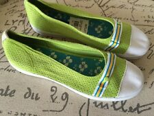 NEW Keds Lime Green Size 6 Canvas Slip On Sneakers Shoes Women Flats White