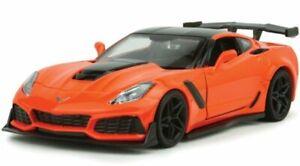 Chevrolet-Corvette-zr1-2019-Orange-Black-Motormax-1-24