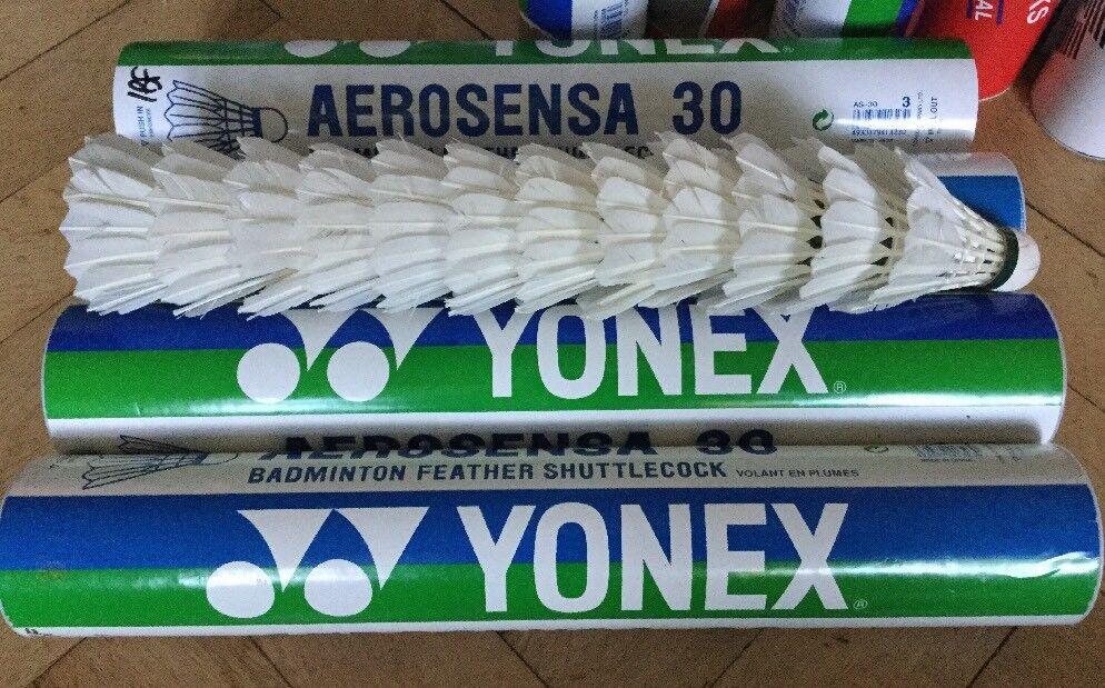4 (48)x YONEX AEROSENSA 30 BADMINTON USED 1 FEATHER BROKEN