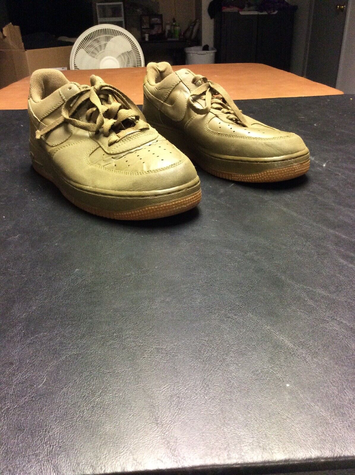 Mens Olive Green Nike Air Force 1 shoes Size 10 (315122-201)