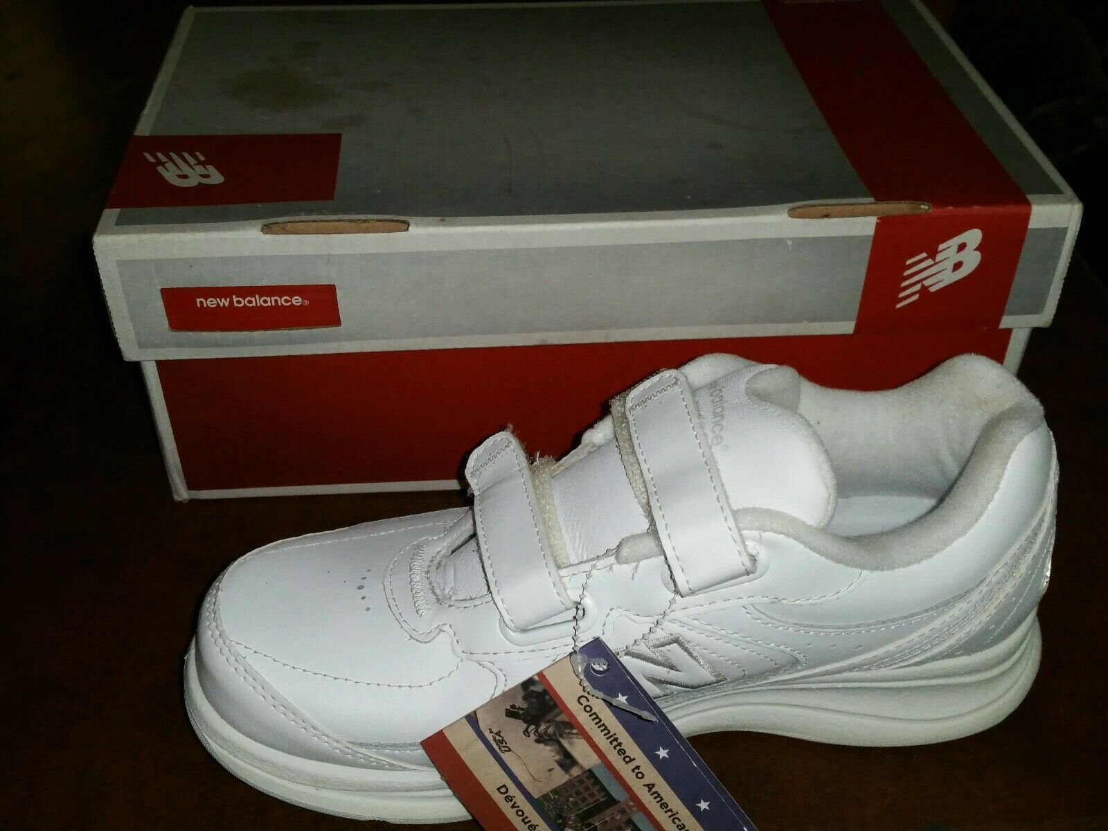 New Balance Walking shoes Size 7 New in Box