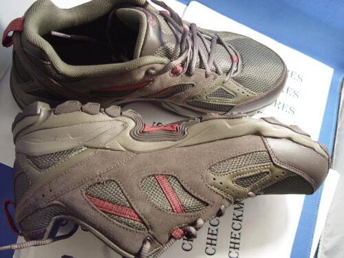 NIB COLUMBIA Sportswear Men/'s WallaWalla 2 Low Omni-Tech Hiking Shoe