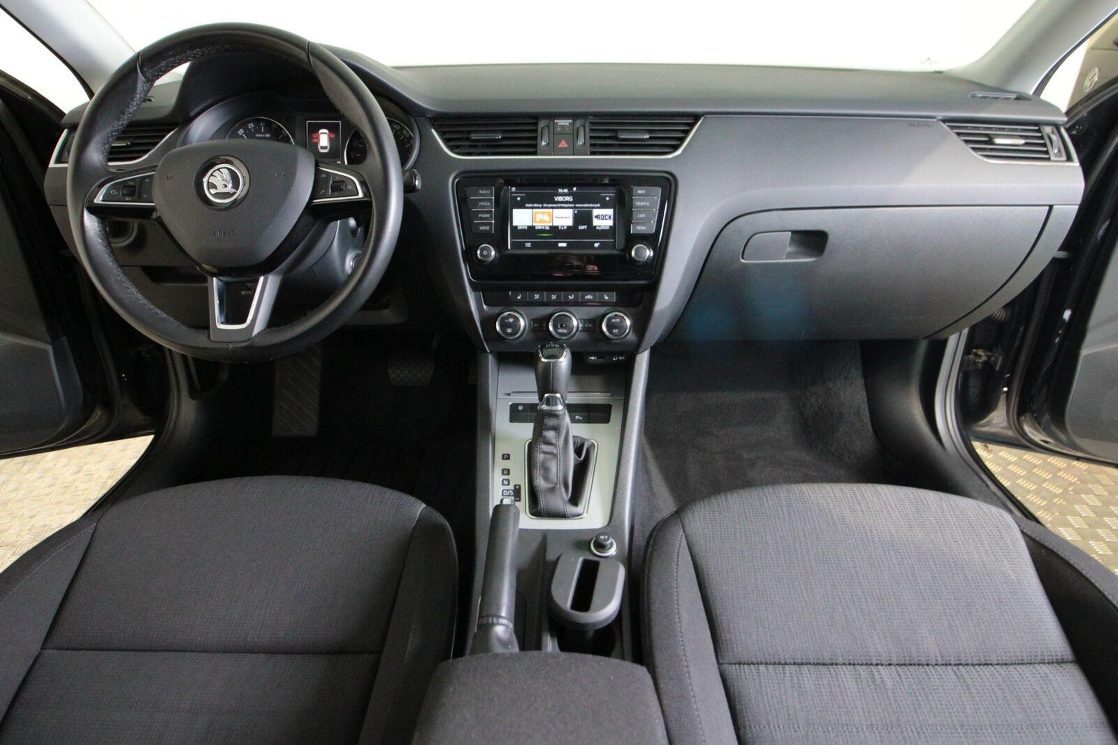 Skoda Octavia TDi 150 Style Combi DSG Van