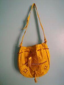 Leather-crossbody-drawstring-Moroccan-bucket-bag