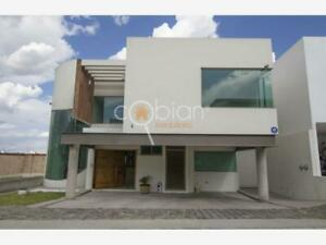Casa en Venta en Fraccionamiento Lomas de Angelópolis