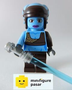 sw284-Lego-Star-Wars-8098-Aayla-Secura-Minifigure-with-Lightsaber-New