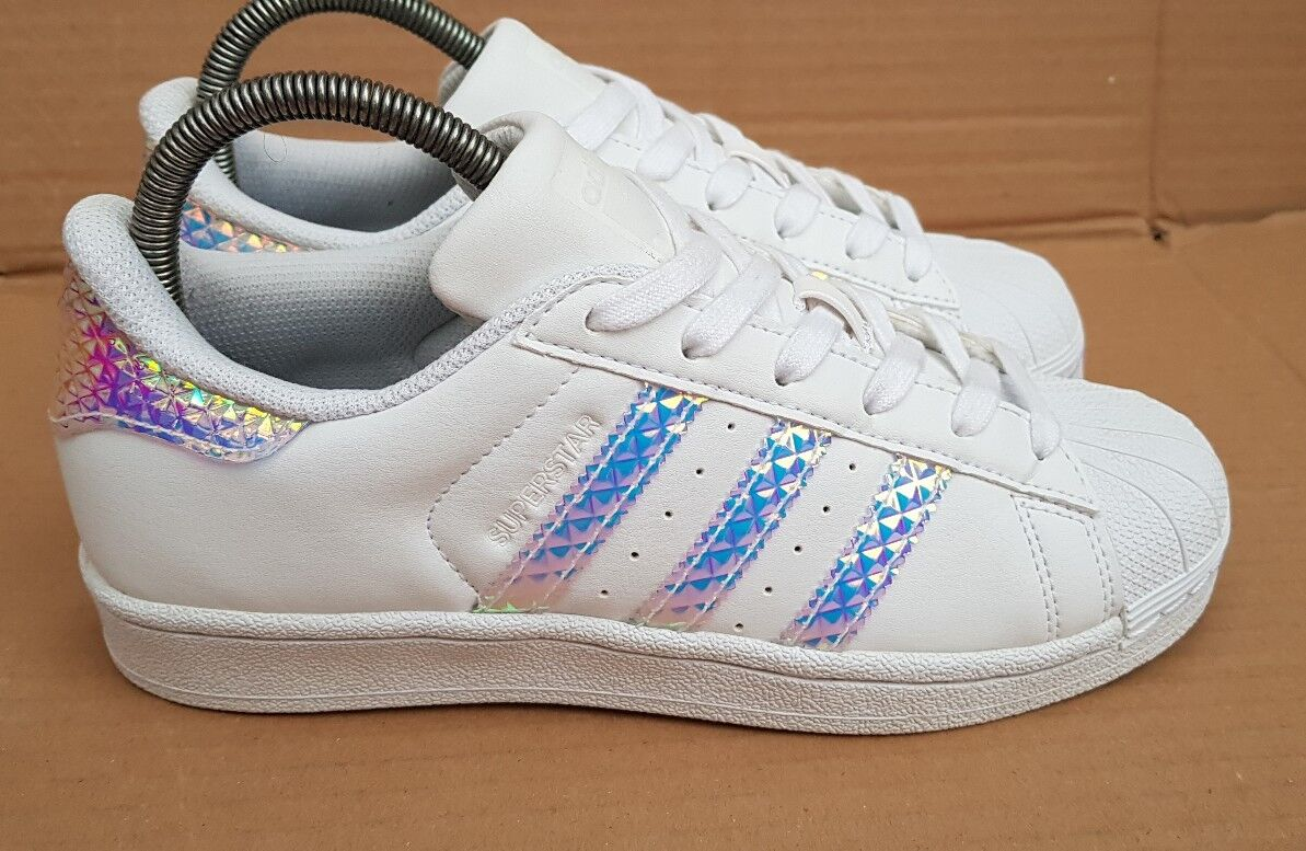 ADIDAS SUPERSTAR HOLOGRAPHIC TRAINERS SIZE 4 UK DUBAI BlauS VERY GOOD CONDITION