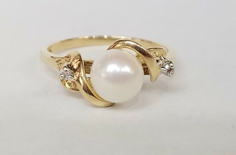 417 10K YELLOW gold 6.6MM CULTURED PEARL RING W  .02 CARAT IN DIAMONDS