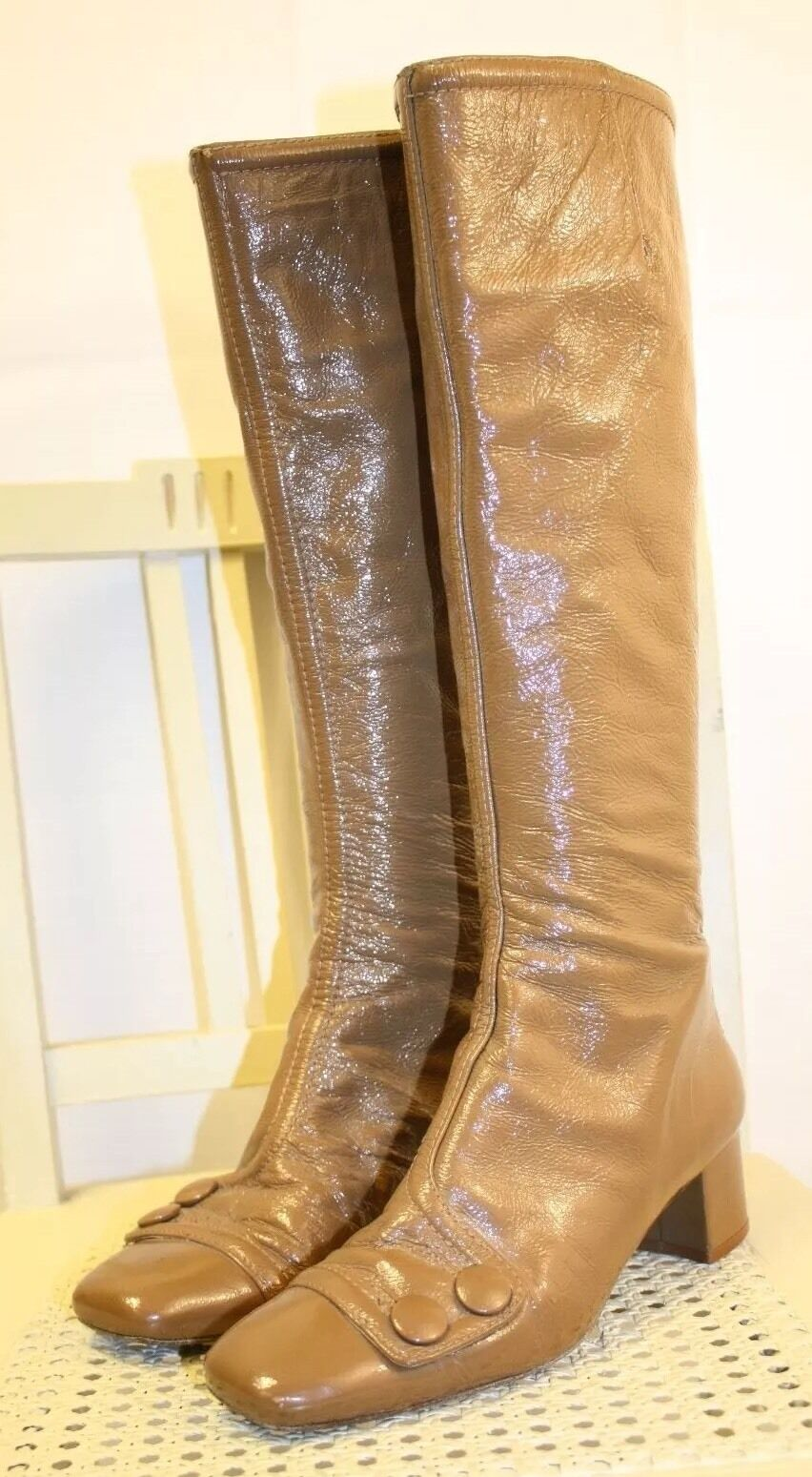 NANETTE LEPORE Tan Patent Leather 70s Style Knee High Zip Up Boots 6M Spain!!