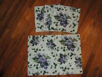 Waverly Sweet Violets 3 Napkins & 1 Placemat