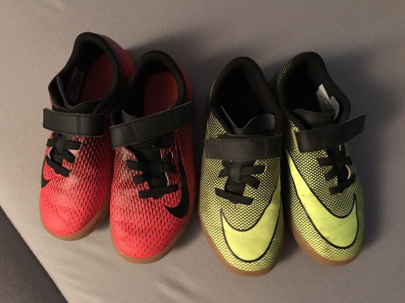 2 Paar Nike Hallen Schuhe Jungs Größe 32 Neuwertig Weder Zu Hart Noch Zu Weich