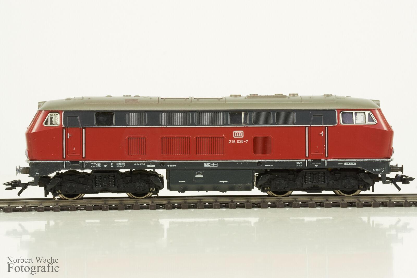 marklin H0 3075  Diesellok BR 216 0257  DB  AC  in OVP