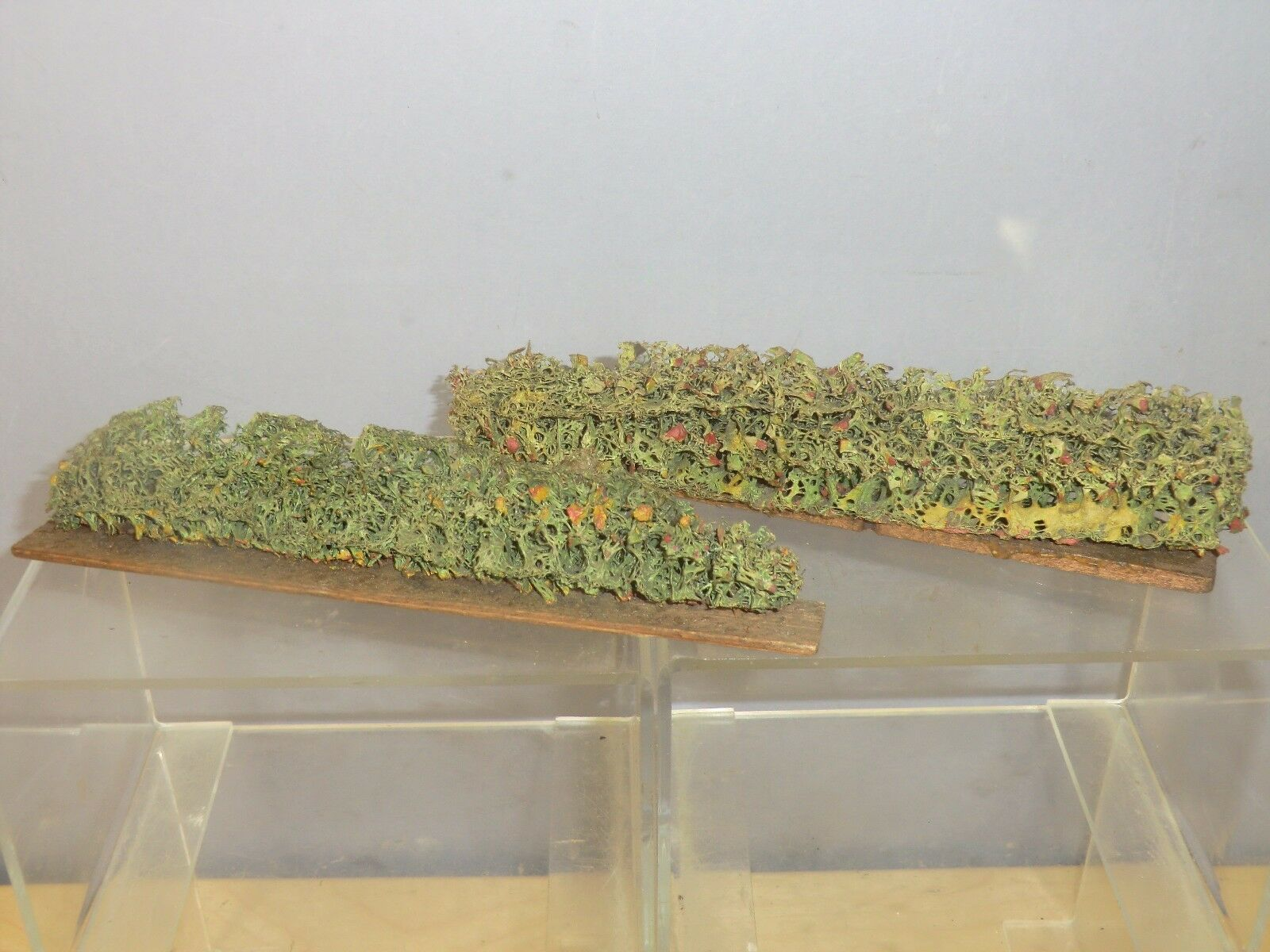 VINTAGE HORNBY TIN-PLATE  0  GAUGE MODEL No.x 2 x   HEDGE ROW 's   FIRST TYPE