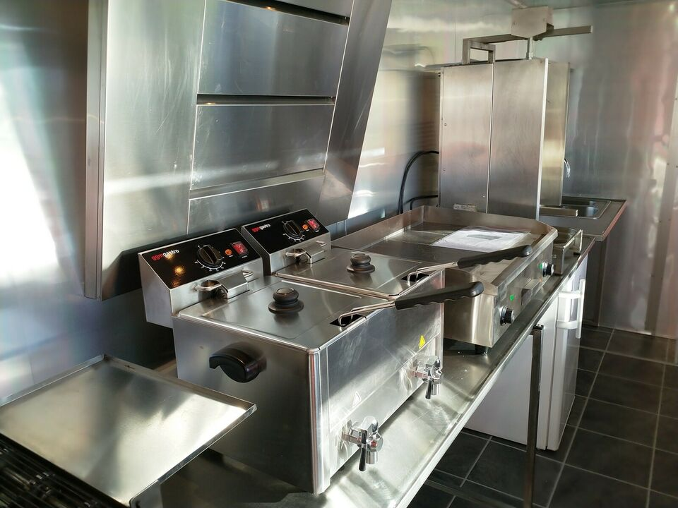 Pølsevogn, salgsvogn multi food trailer, lastevne (kg):