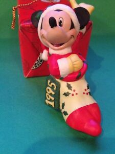 Enesco-Mickey-Mouse-In-Stocking-Ceramic-1995-Hanging-Ornament-Approx-4-034-Tall