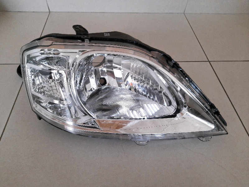 NISSAN NP200 FACELIFT 2012/21 BRAND NEW HEADLIGHTS FOR SALE R995