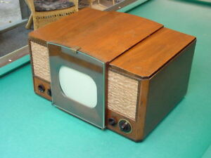 Classic-1940-039-s-RCA-630TS-10-034-Channel-1-Table-Top-TV