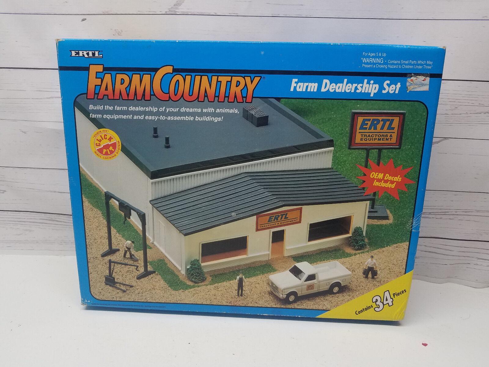 prima qualità ai consumatori Ertl Ertl Ertl Farm Country Farm Dealership Set 4231  80% di sconto