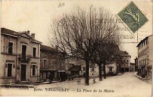 CPA VAUGNERAY - La Place de la Mairie (635653)
