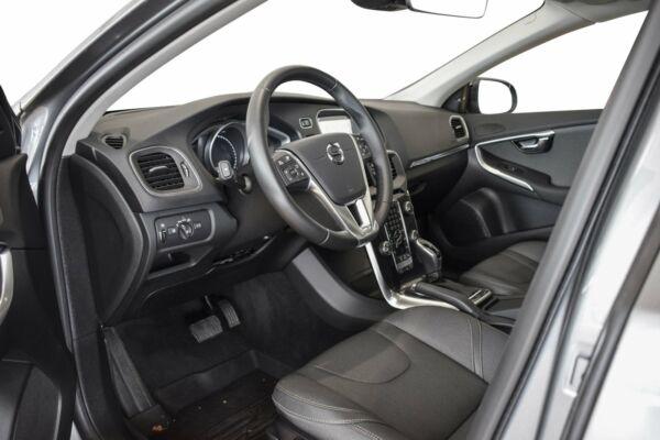 Volvo V40 CC 2,0 D3 150 Momentum aut. billede 8