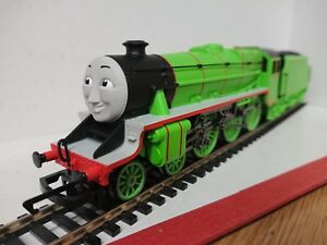 Hornby-R9292-Thomas-amp-Friends-Locomotive-Henry-the-Green-Engine-DCC-Ready-Boxed
