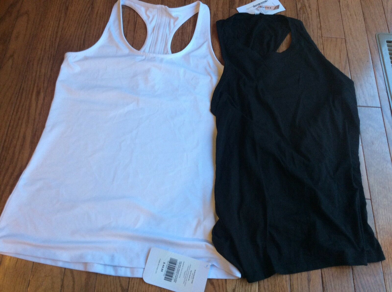 NWT  Fabletics Tanks  Elisa and Kerry   XS