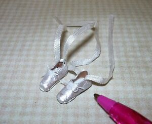 Miniature-Rountree-WHITE-Leather-Ballet-Shoes-DOLLHOUSE-Miniatures-1-12-Scale