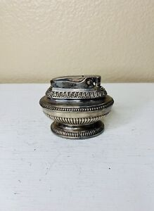 Vintage-Ronson-Queen-Anne-Silver-Plated-Table-Lighter