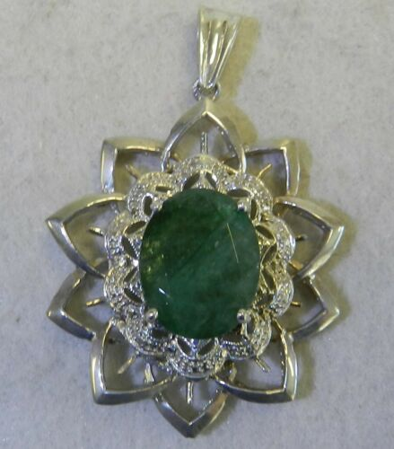 #J5 Sterling Silver Pendant With Green Stone Overa