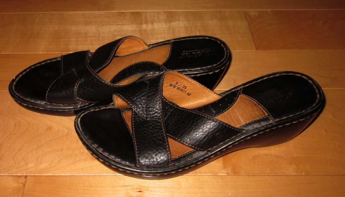Born Womens Black Leather Slide Sandals 8