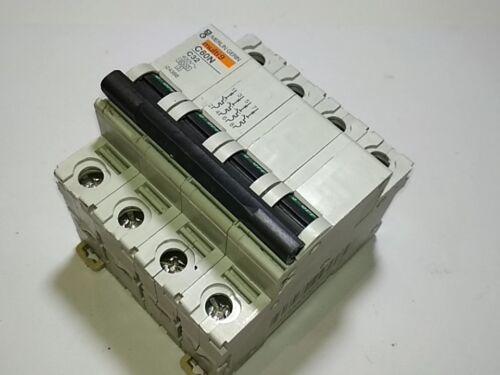 MERLIN GERIN C60N C 32 A 24366 4 POLOS  MAGNETOTERMICO CIRCUIT BREAKER