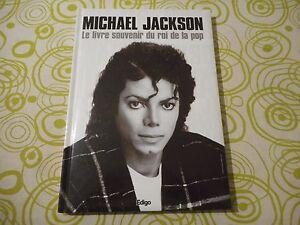 """Michael Jackson - Livre """"Le livre souvenir du roi de la pop"""" - France - État : Trs bon état: Livre qui ne semble pas neuf, ayant déj été lu, mais qui est toujours en excellent état. La couverture ne présente aucun dommage apparent. Pour les couvertures rigides, la jaquette (si applicable) est incluse. Aucune p - France"""