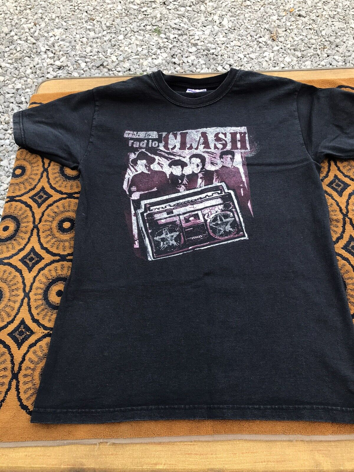 """Vtg The Clash """"This is Radio"""" DISTRESSED Graphic … - image 1"""