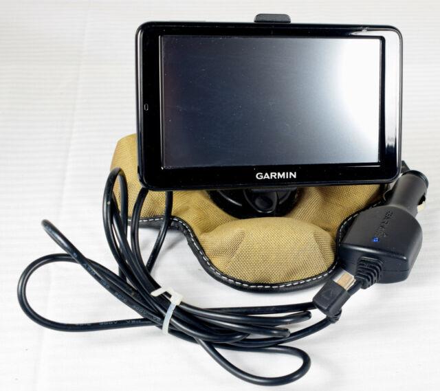 Garmin Nuvi 2555LMT Lifetime Maps GPS w/ Beanbag Dashboard Holder and Power Cord